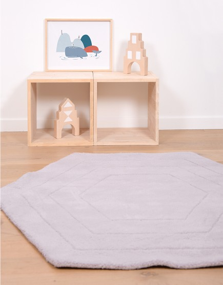 Vaikiškas kilimas. Pilkas šešiakampis
