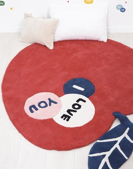 Medvilninis vaikiškas kilimas. Obuolys